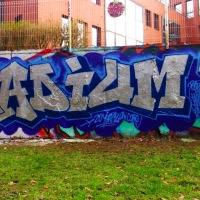 STREET ART - Il peint sur les murs le nom des DJs et labels techno-hardcore